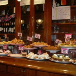 Wine and Tapas Tour Sitges